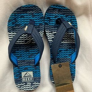 New Reef Youth Flip Flops size 13/1
